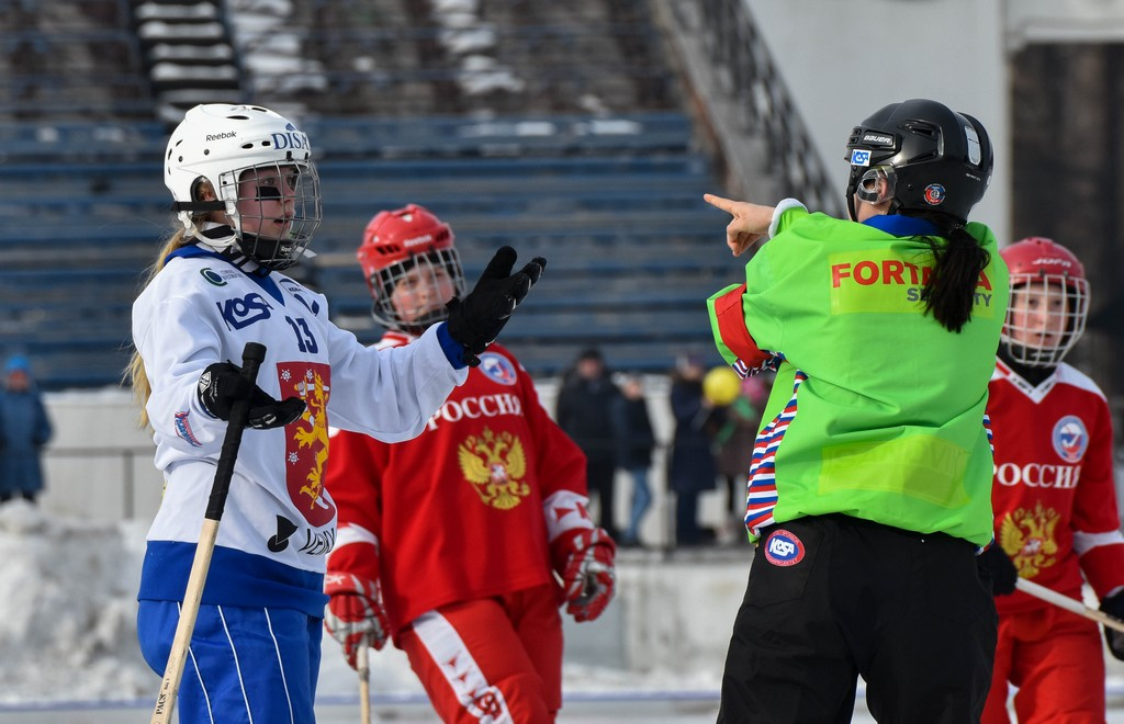 Six scores of Irkutsk bandy players